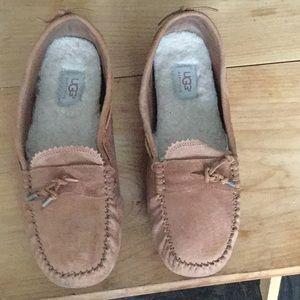 Ugg women's Dakota slippers in chestnut sz10
